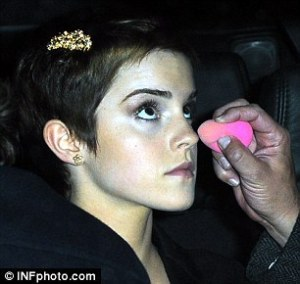 emma-watson-and-beauty-blender-gallery